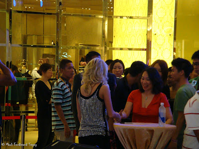 Carrie Underwood in Singapore Photo 3
