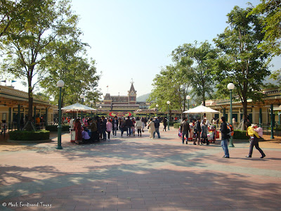Hong Kong Disneyland Entrance Photo 11