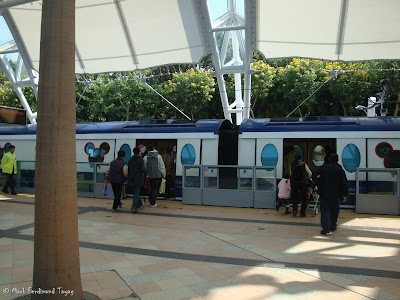 Hong Kong Disneyland Train Photo 5