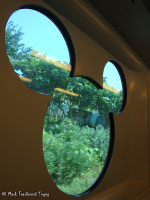 Hong Kong Disneyland Train Photo 11