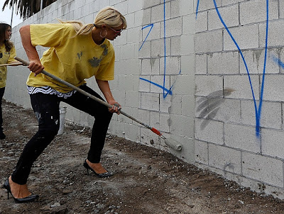 Paris Hilton Doing Community Service