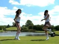 Vidéo virale - Coors Light nous offre une leçon de golf assez sexy