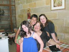 Mamãe, Larissa, Nilo e Eu
