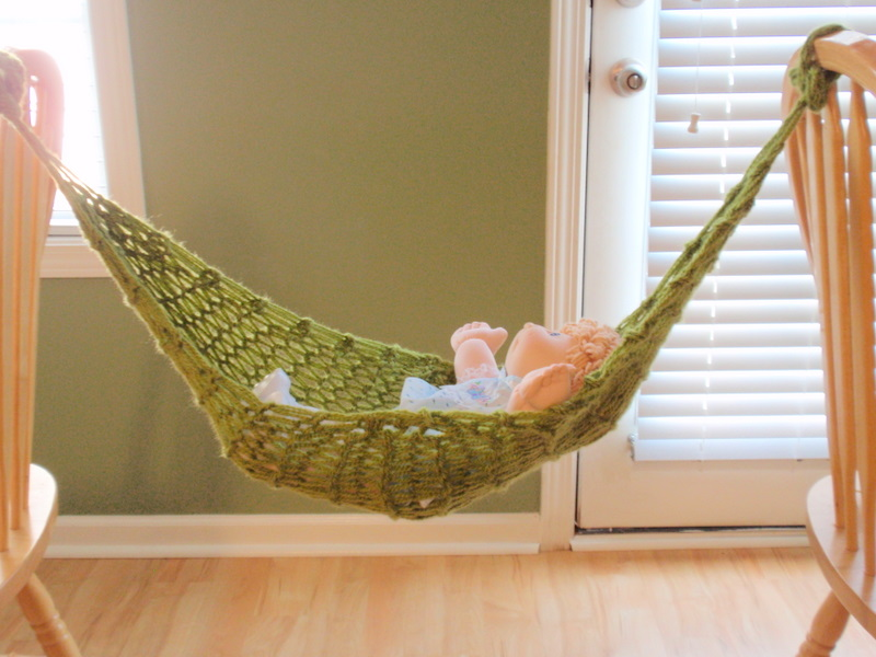 i don u0027t have a newborn in my home so i hope to update with photos of a real baby once she uses it  purls of praise  baby hammock  rh   purlsofpraise blogspot