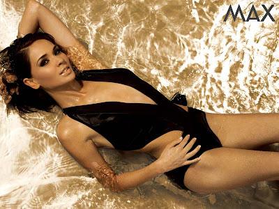 Fotos Adriana Louviers sexy lenceria