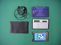 SONY AM Radio ICR-520とソーラー電卓