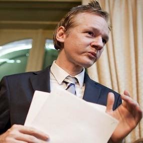Pendiri Wikileaks.org yaitu Julian Assange