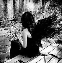 Saudade...Produto altamente corrosivo...Infestado de sonhos e desejos.
