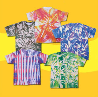 Tie Dye T-Shirts at Home With Your Kids - Great Summer Craft Activity