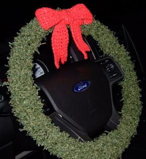 Christmas Wreath Steering Wheel Cover