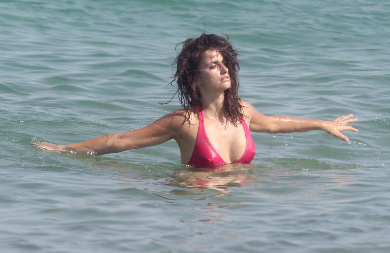 penelope cruz bikini sutki