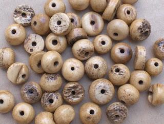 [Antique-Bone-Beads.JPG]