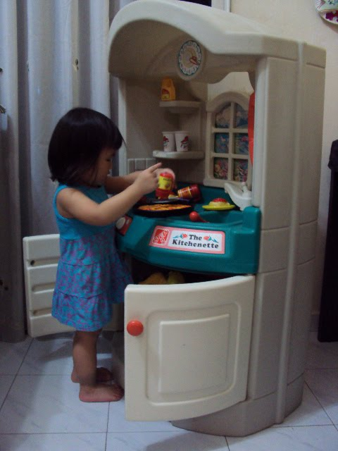 Toys4toddlers Step 2 Kitchenette