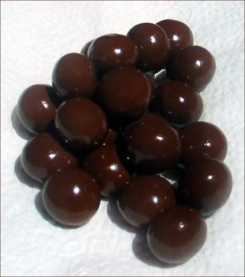Kuroi Chocoballs