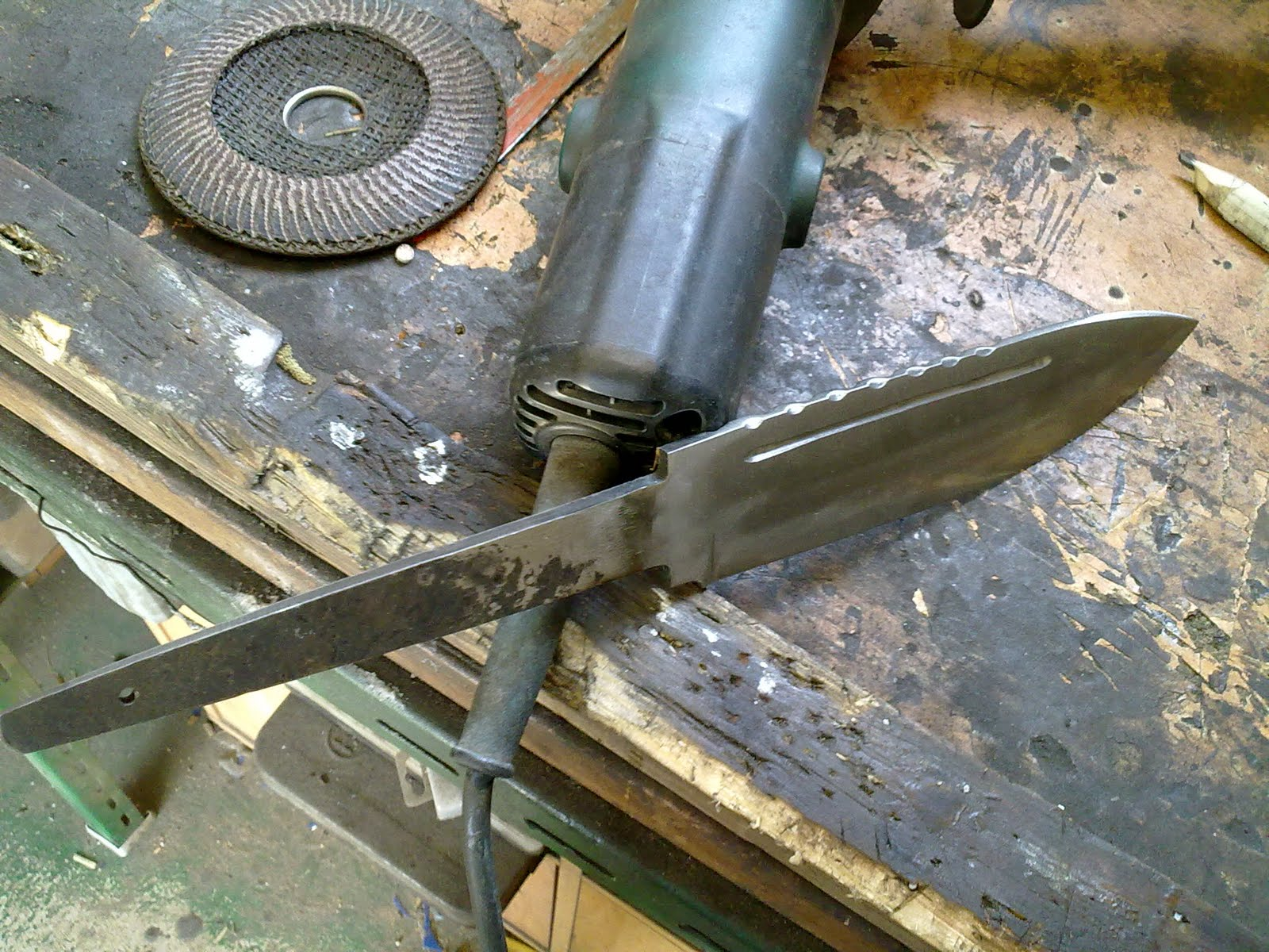 Ferro i foc cuchillo ancho - Como hacer soporte para cuchillos ...