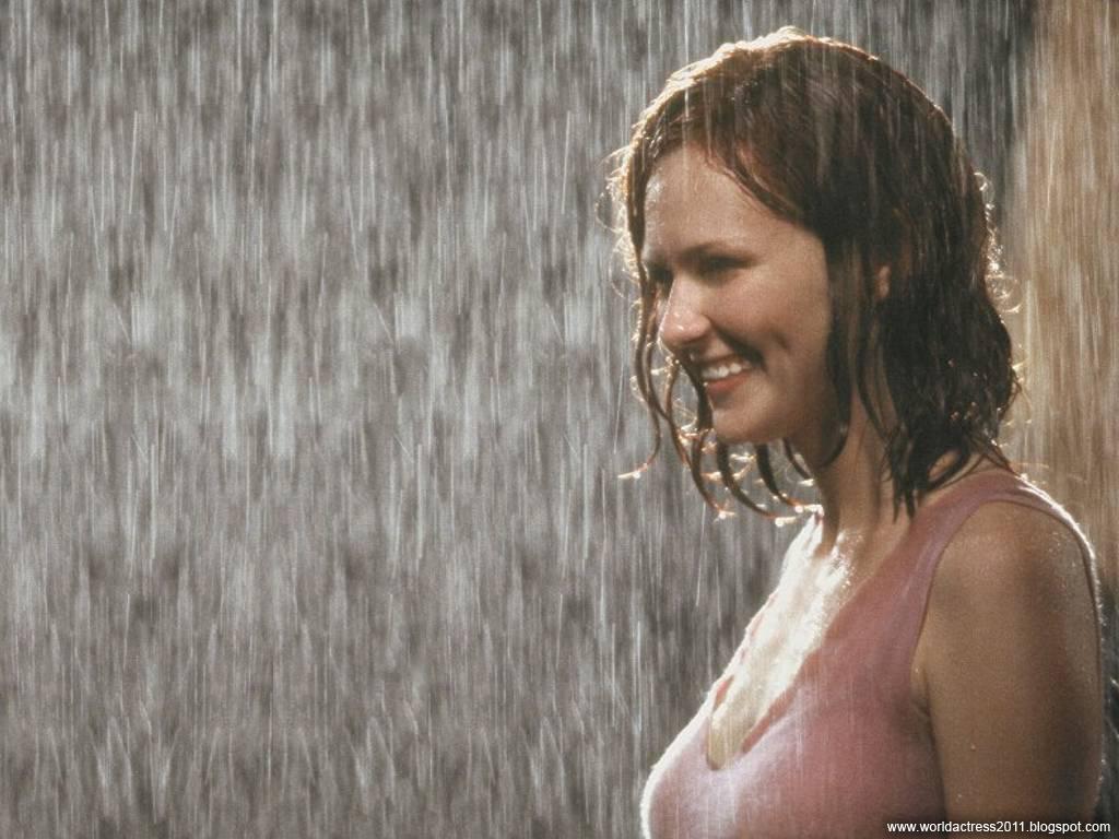 http://4.bp.blogspot.com/_ynR6cm9boNo/TRtw9lVhk9I/AAAAAAAAAUM/AK-rKbssNNI/s1600/World+Actress+-+Kirsten+Dunst+3.JPG
