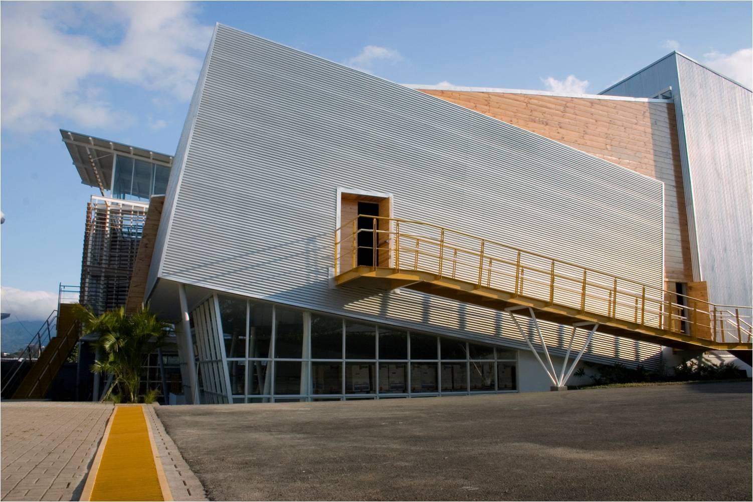Taller de dise o 7 8 talleres de arquitectura y auditorio for Universidades para arquitectura