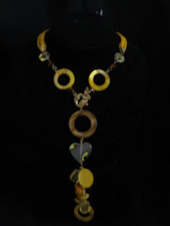 C03101 Collar Nacar, Cristales, Turqueza amarilla y cordon.