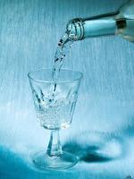Самарская фирма перестала рекламировать полезную водку в Интернете