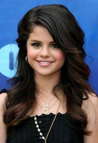 selena gomez bangs hairstyle. gomez with angs. selena