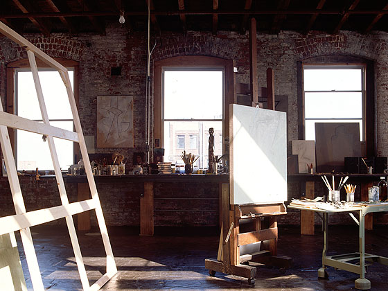 Amazing worked in and lived in artist lofts decorology for Loft atelier artiste