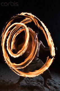 Man Juggling Fire - Roy McMahon/zefa/Corbis