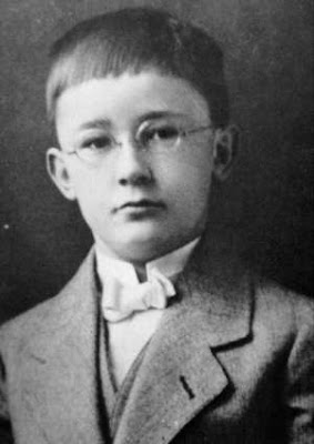 Heinrich Himmler seven years old