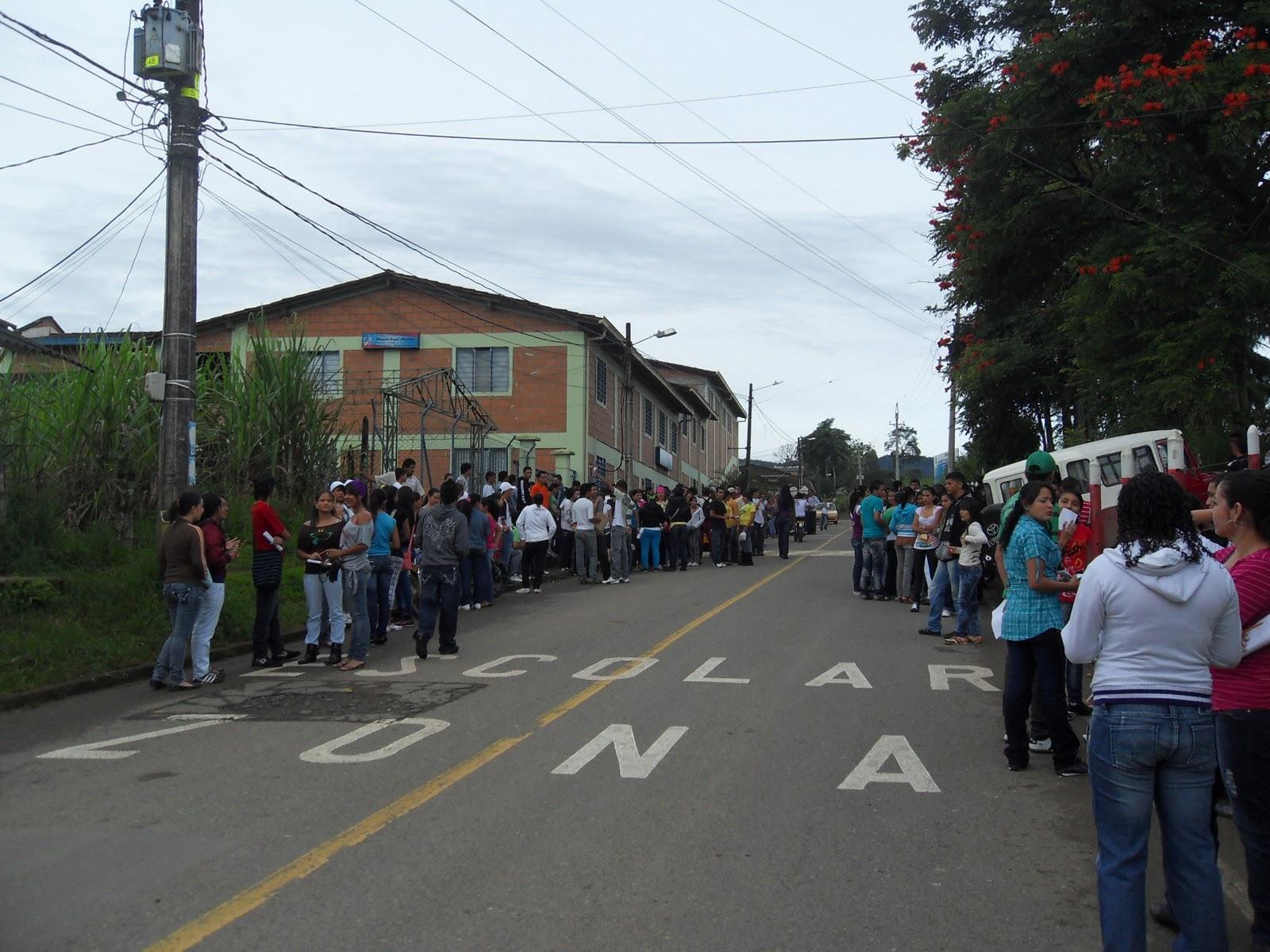 INSTITUCION EDUCATIVA RURAL JUNTAS DE URAMITA: EXAMEN ICFES SABER 2010