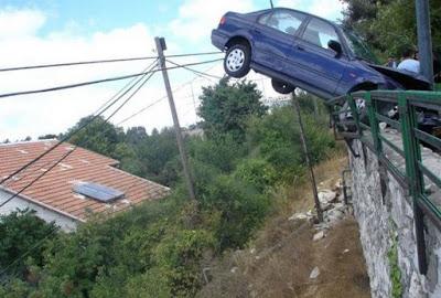 Bizarre Car Accidents 28