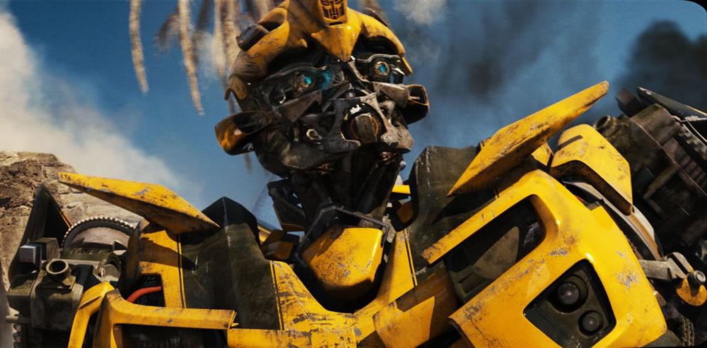 lemon zest bumblebee injured at transformers filming. Black Bedroom Furniture Sets. Home Design Ideas