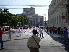 Ato Realizado Pelos Professores e Alunos em Frente à Assembléia