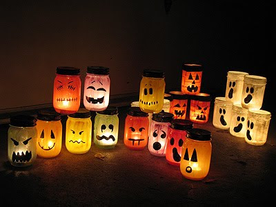 Idee déco Halloween Tuto Photophore / Halloween Painted Jar Luminaries