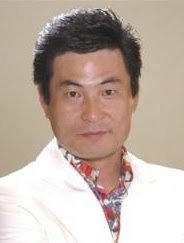 Lee Han Wie as Mr. Ku (the butcher that likes Eun Chan's mom)