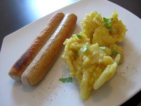 http://4.bp.blogspot.com/_z1C4quHGdkY/TCTYE5CKd7I/AAAAAAAABHM/BD_S07HgdmI/s1600/Gschwollne+mit+Kartoffelsalat.JPG