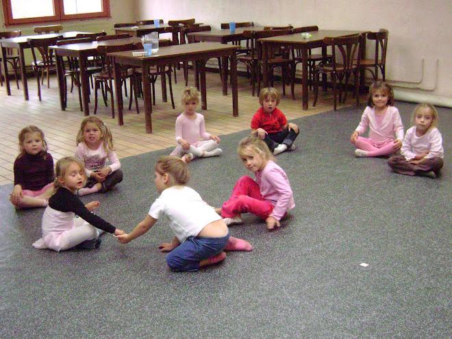 atelier danse créative 4/5ans (octobre 2007)