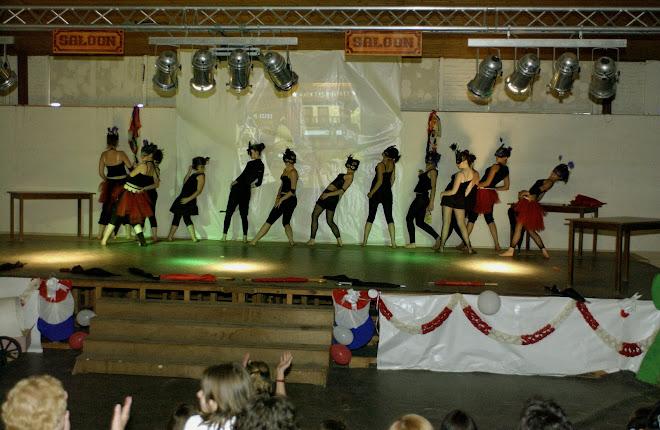 les danseuses du saloon ( ado's)