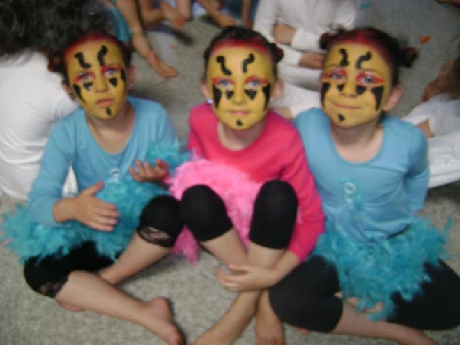 """danse moderne 6/7 ans""""drôles d'oiseaux"""" ( Lynsie, Isaline et Jade)"""