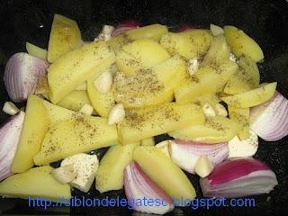 cartofi si ceapa la cuptor
