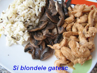 pui in sos de stridii cu orez