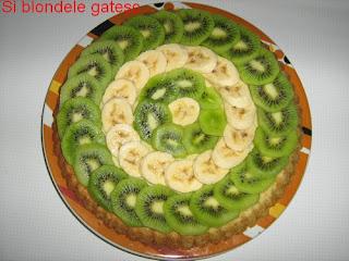 tarta cu banane si kiwi