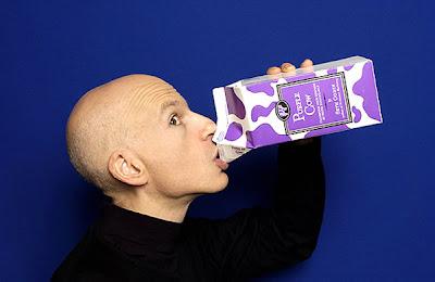 http://4.bp.blogspot.com/_z4-74ev0oGM/SAhwvJ0NG2I/AAAAAAAAA2I/fV0DSDcSmmY/s400/seth_bald_milk.jpg