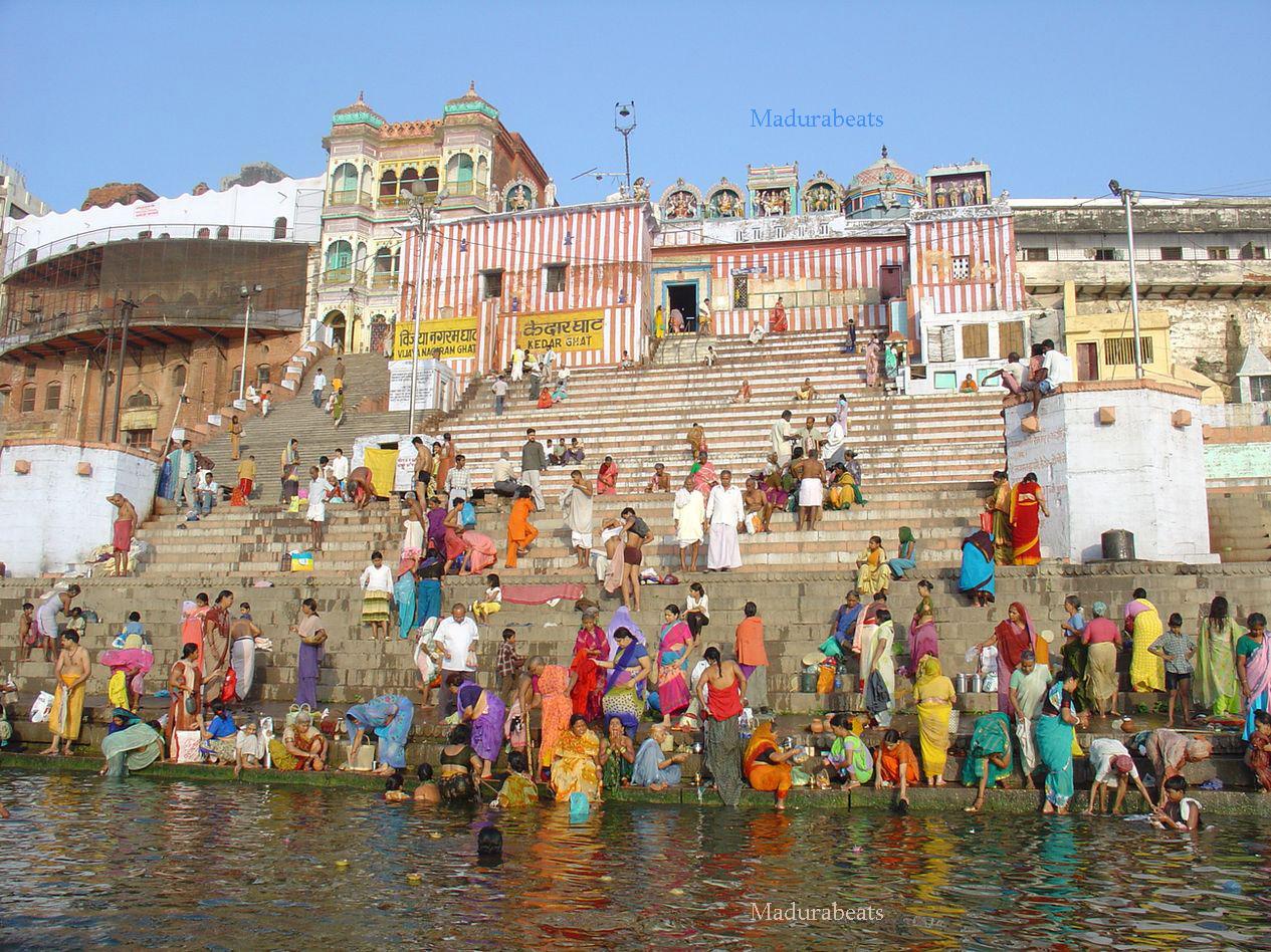 http://4.bp.blogspot.com/_z4BcYVnVAso/TP4mQMB-OkI/AAAAAAAAAs4/pt4DOTM0pDE/s1600/india-varanasi-ganges-bank-view.jpg