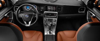 2012 Volvo S60 cockpit