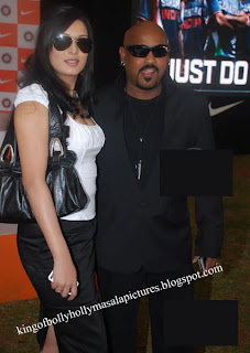 Vinod Kambalis Sexy Wife Andreas