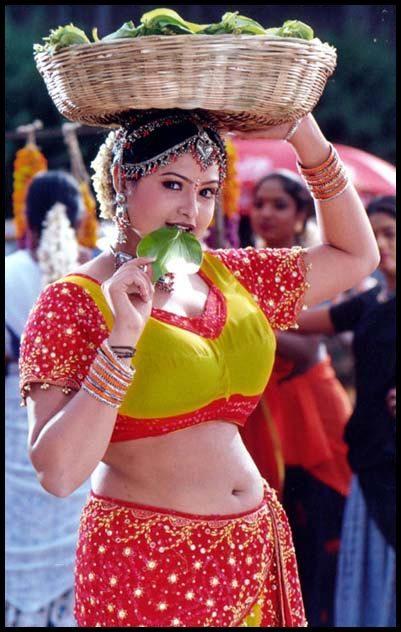 Actress Raasi Navel Show Photos