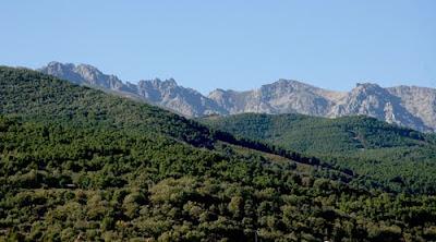 A la izquierda de este monte se va a construir la macro-urbanización