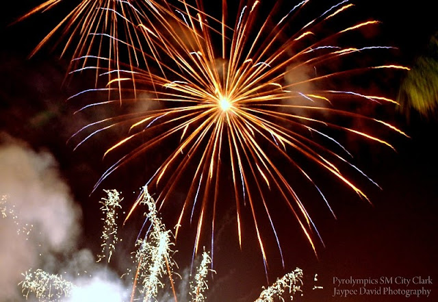 Fireworks Display, Nikon D3000 DSLR, Pyrolympics SM City Clark, Jaypee David Photography, JAYtography, enjayneer