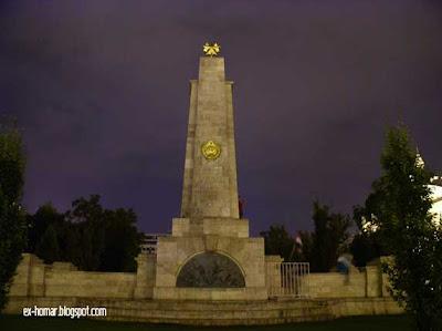 soviet war memorial Budapest Hungary