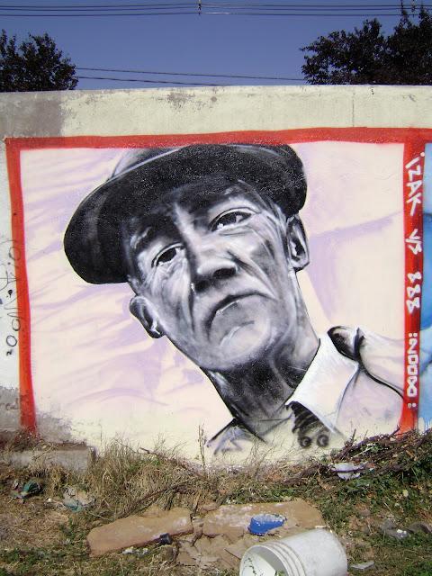 graffiti de izak en las condes, santiago de chile