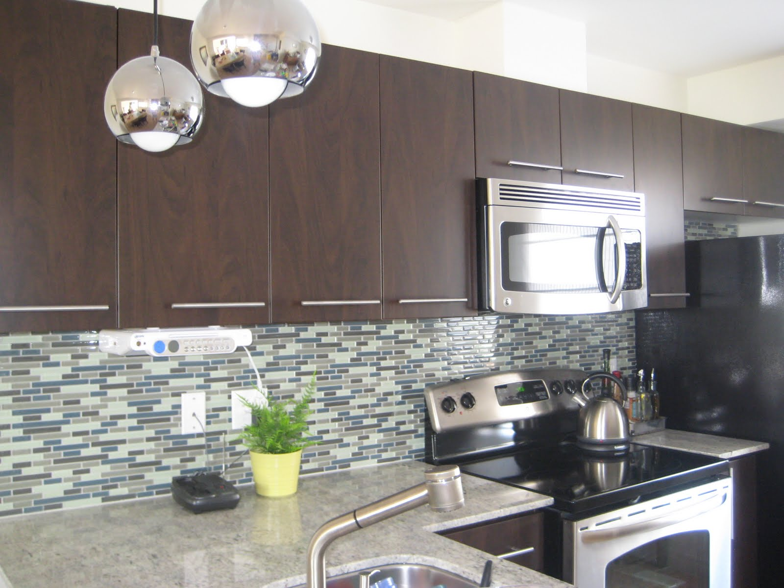 Backsplash  http://.xtile.net/
